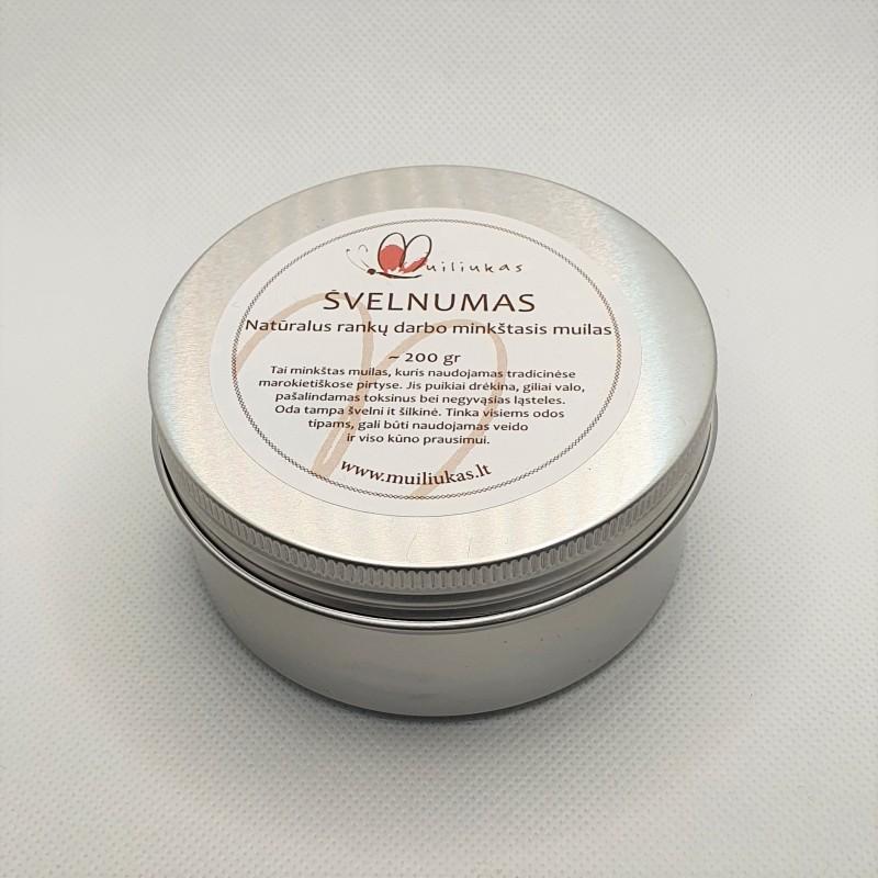 Natural soft paste soap, cinnamon and tea tree